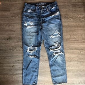 American eagle distressed size 6 jeans hi-rise